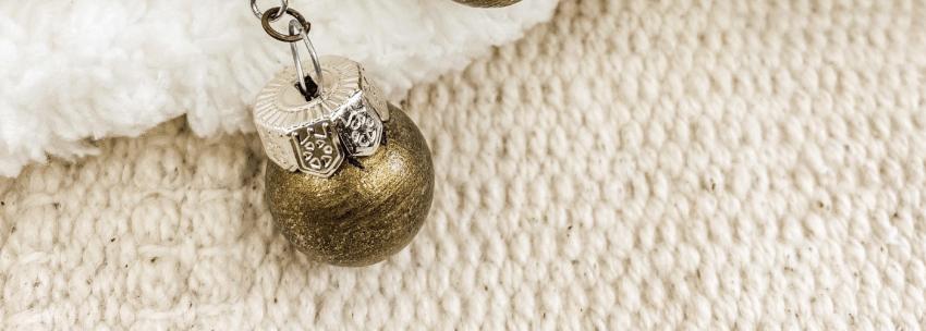 DIY Christmas Ball Earrings